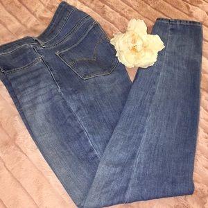 Levi's 711 Skinny Jeans EUC